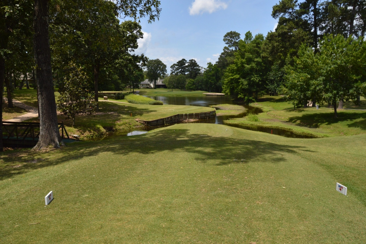 Crown Colony CC – Hole 17 -1