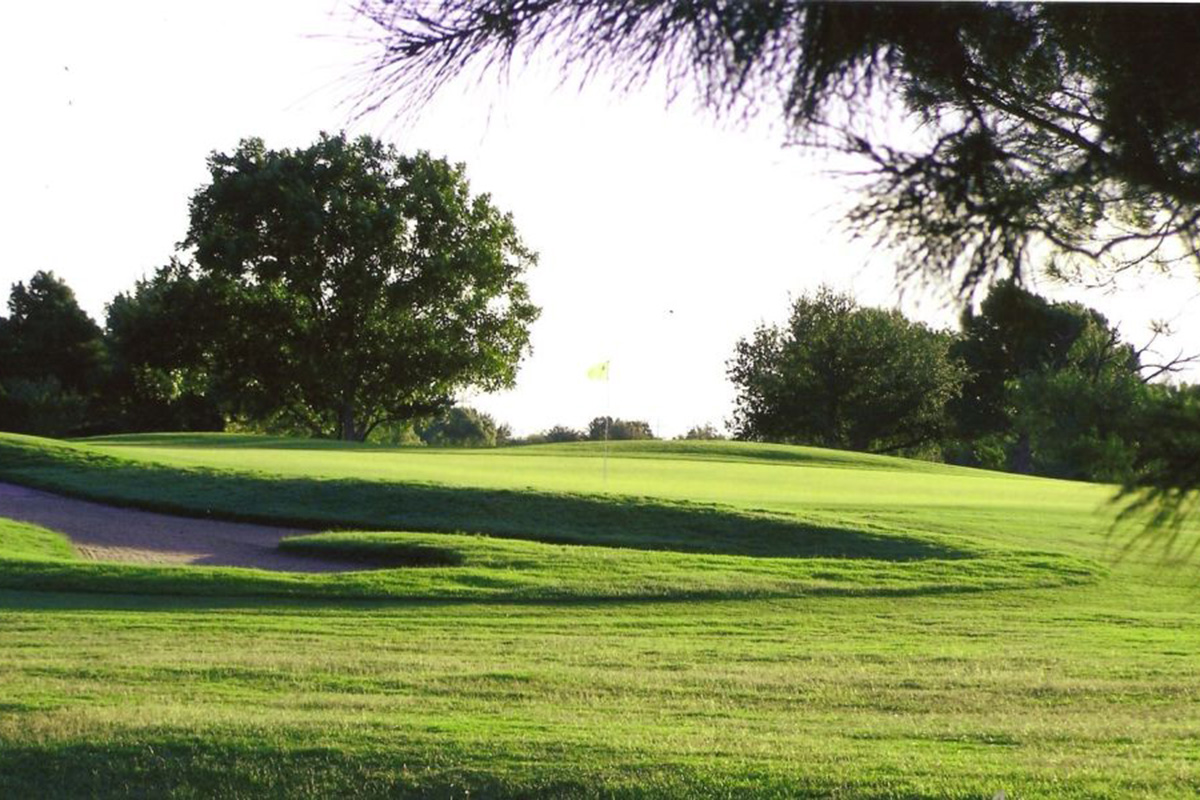 Benntwood Country Club